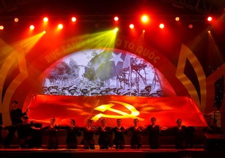 Tự hào đêm nghệ thuật Rực sáng màu cờ Tổ quốc | Xúc tiến du